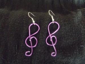 les boucles d'oreilles dans bijoux p1020859-300x225